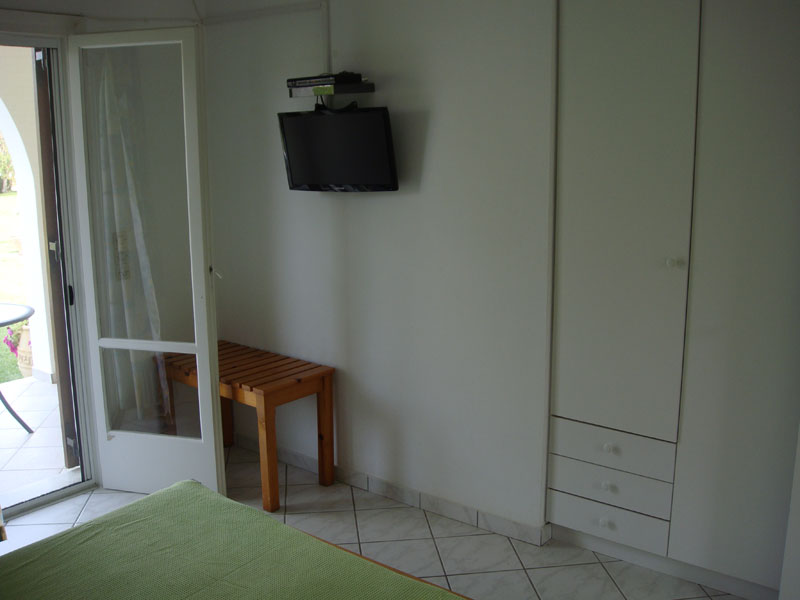 002 Apartment in Villa Eleftheria accommodation in corfu