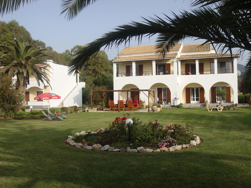 005 Villa Eleftheria Garden accommodation in corfu