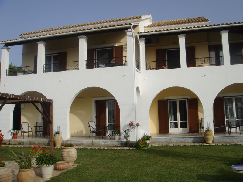 007 Villa Eleftheria Garden accommodation in corfu