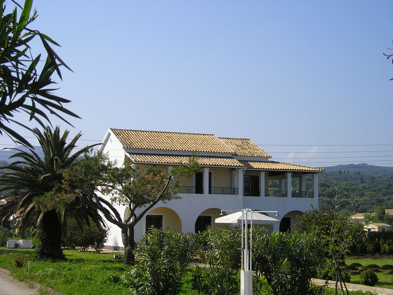 033 Villa Eleftheria Garden.JPG accommodation in corfu