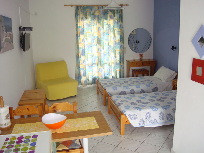 002 Studio in Villa Eleftheria accommodation in corfu