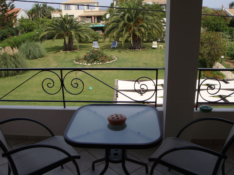 009 Studio in Villa Eleftheria accommodation in corfu
